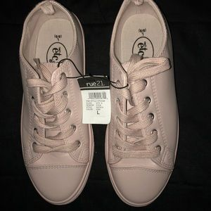 RUE 21 light pink sneakers